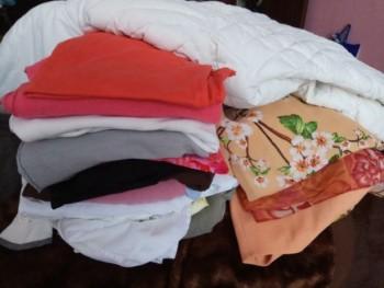 Отдам пакет с женской одеждой 48-50 размера - 678853039_6_644x461_otdam-darom-zhenskie-veschi-48-50-razmera-.jpg